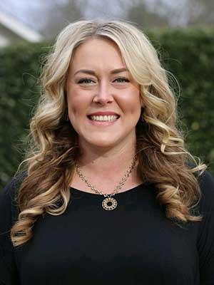 Lindsey Westendorf (Esthetician)